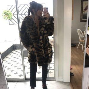 Jackets & Blazers - Kent Street faux oversized Leopard coat